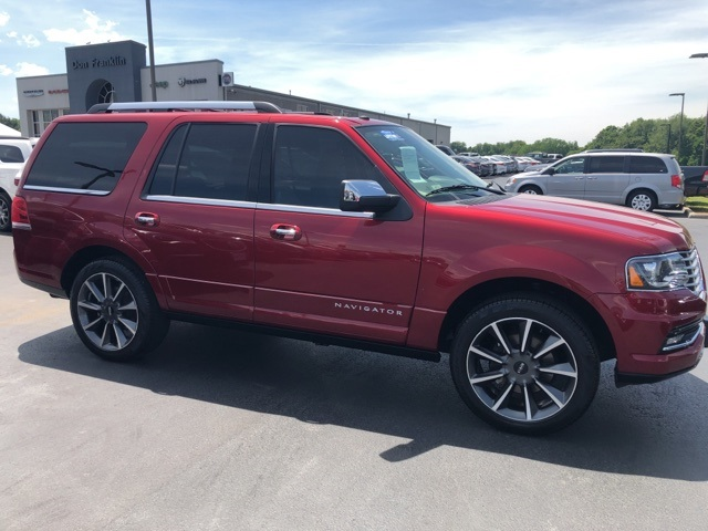 Pre-Owned 2017 Lincoln Navigator Reserve